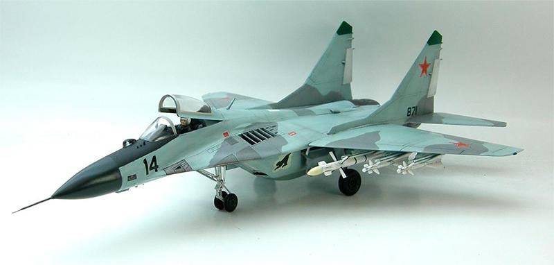 Масштабная модель истребителя Миг-29